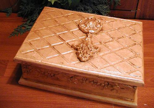 Victoria Larsen stenciled box