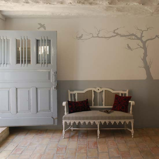 stenciled tree makes dramatic statement