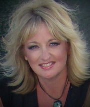 Dream Doer Linda Peterson on Artistically Speaking