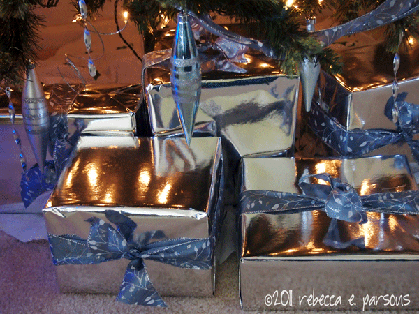 DIY Christmas Decor Vignette #19 ~ Elegantly Sumptuous Luxe 4 Less My Christmas Tree