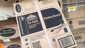 Elmer's small tri-fold display board