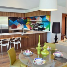 colorful hip kitchen from urbanspaceinteriors.com