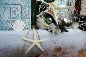 Christmas-mantle-pearls-shell-