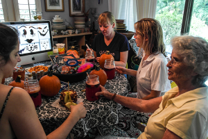 guests-paint-apple #SpookyCelebration #shop