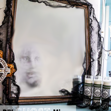 DIY Ghost Mirror ~ Haunted Halloween Decor