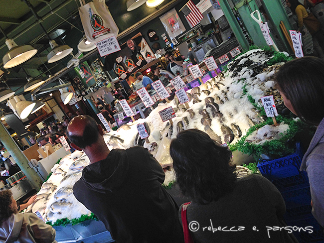 fish-tossing-at-pikes-place-market-seattle