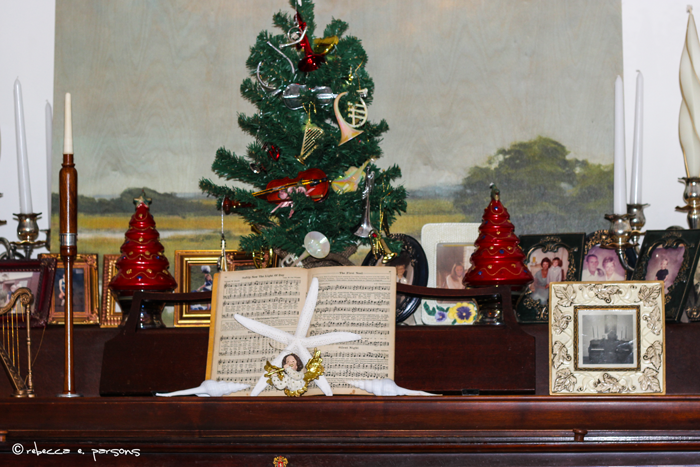 Music-room-Christmas-tree