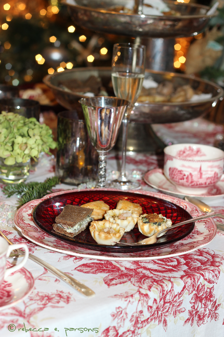 St.-Nicholas-Tea-Craft-food-on-plate-table