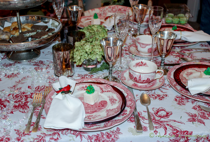 St.-Nicholas-Tea-tablescape-candles
