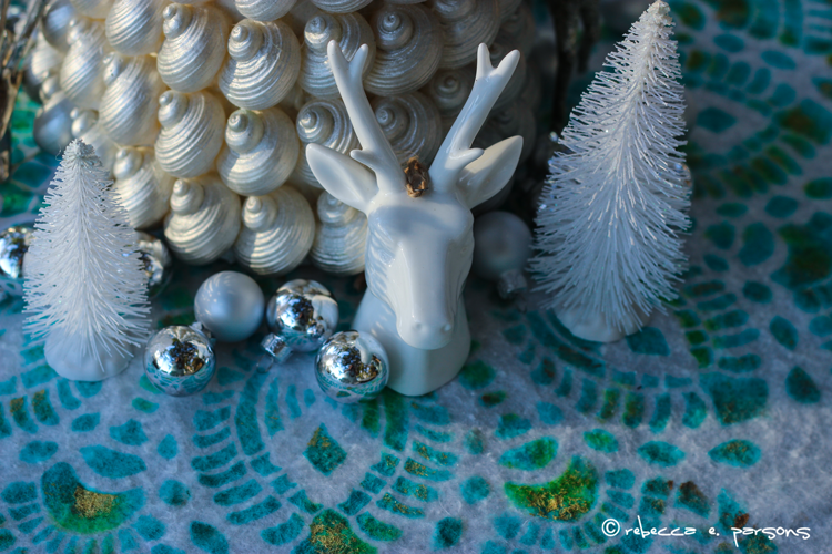 Beachy Christmas Brunch Centerpiece Treasures #royaldesignstudio