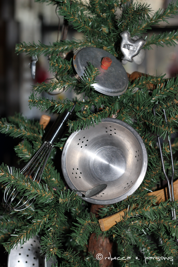 kitchen-Christmas-tree-back