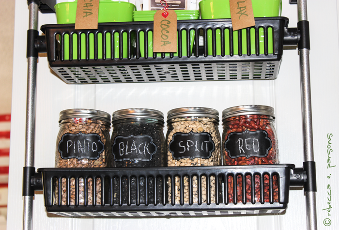 organized-pantry-chalkboard-labels