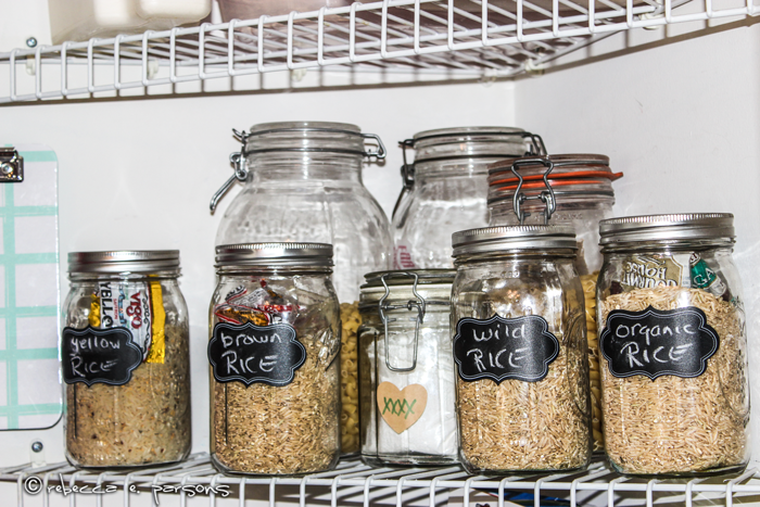 organized-pantry-triangle-shelves-dry-foods