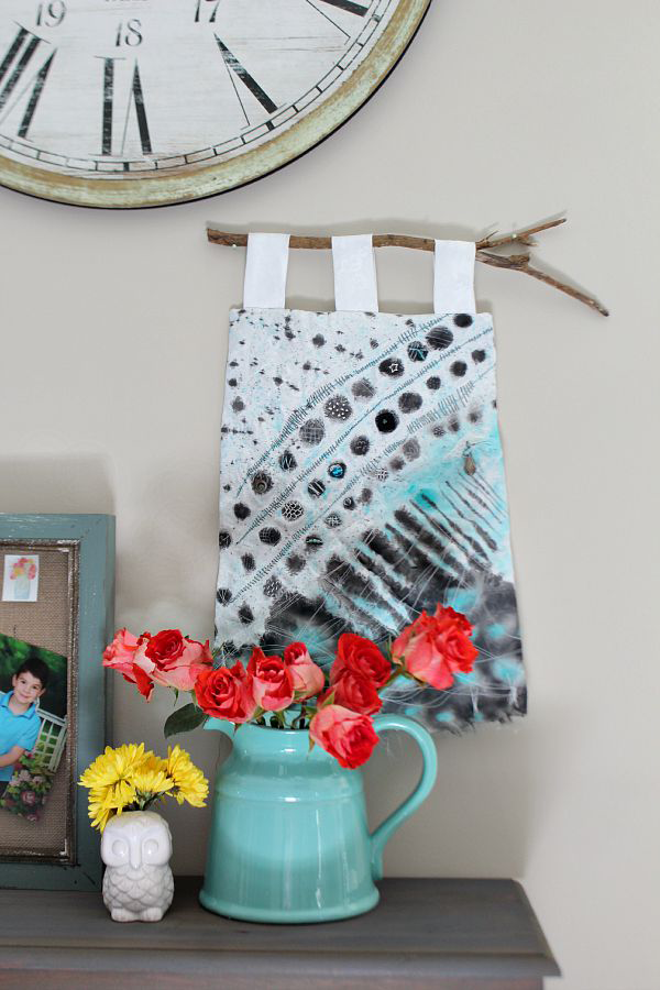 Beautiful-wall-hanging-at-refreshrestyle.com_