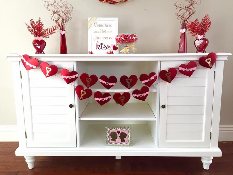Kylie Glenn Jenkins DIY Valentine Mantle Decorating Ideas