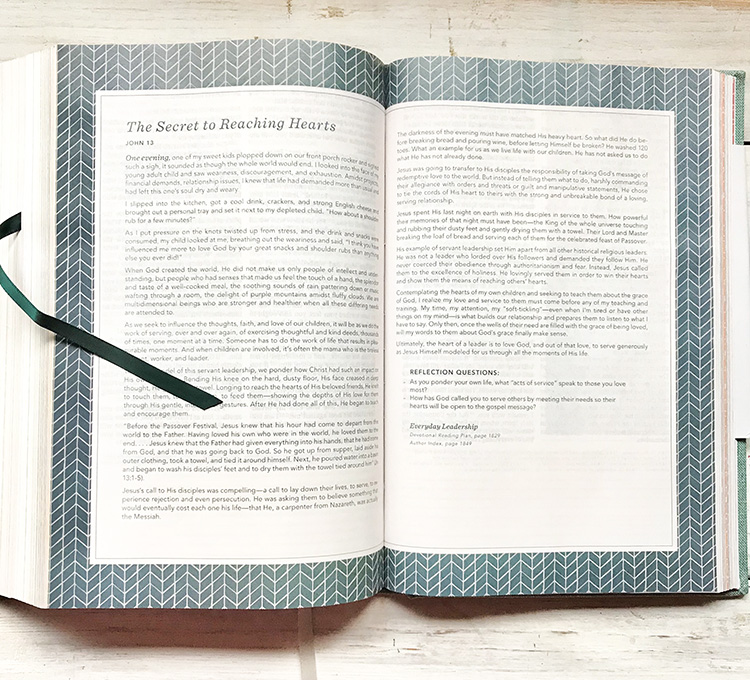 Reflective Devotions (in)Courage Devotional Bible
